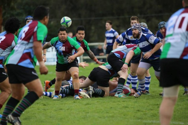 Hobart Harlequins halfback Fale Atileo spreading the ball wide