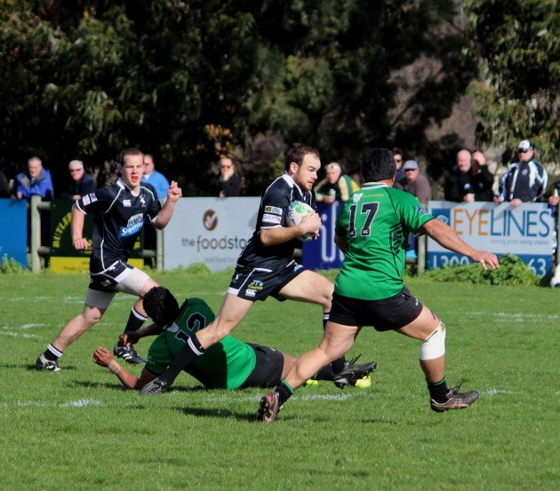 Glenorchy Stags fullback Wally Dare on a damaging run
