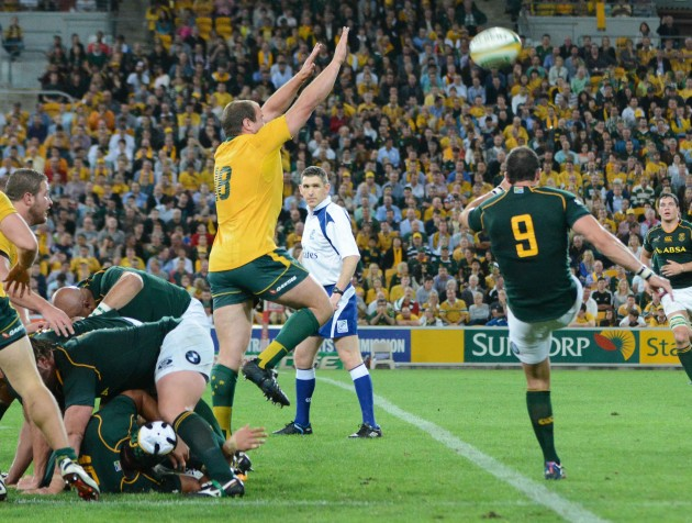 Ruan Pienaar with amazing separation from the ruck.