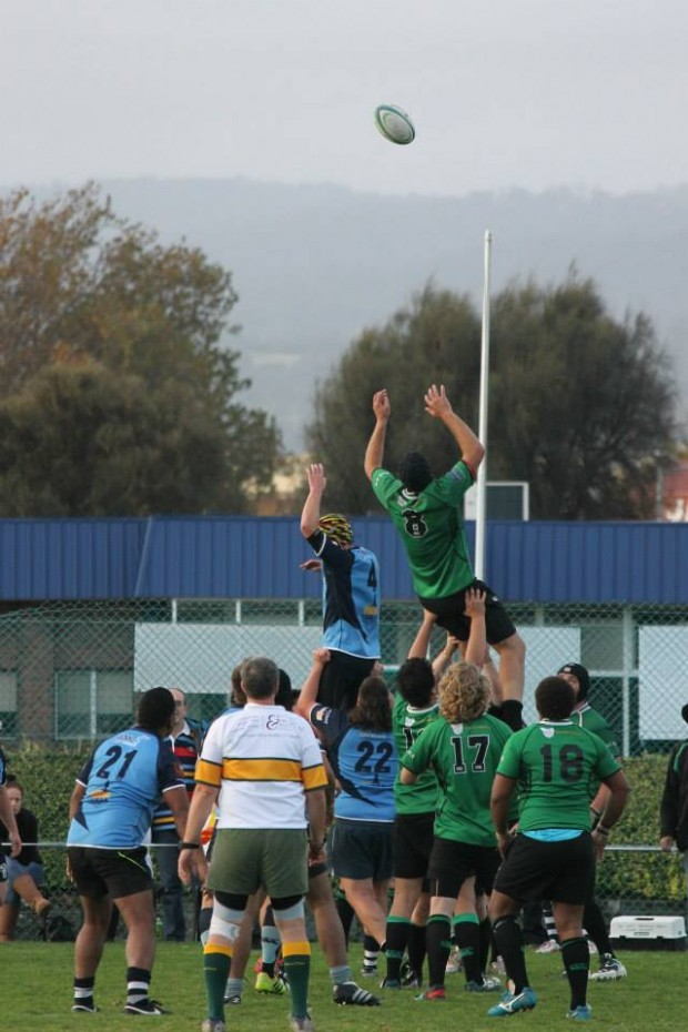 The Bulls pack soar in a  lineout win for Devonport