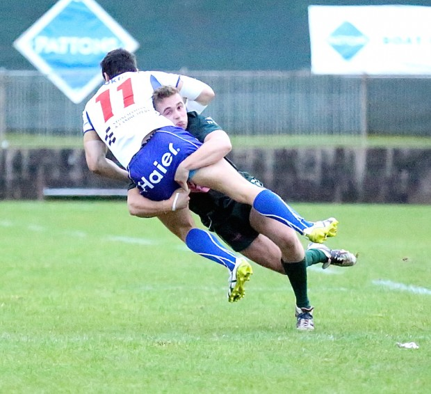 Eastwood Nick Batger is tackled by Randwick fullback Andrew Deegan_PL6 Photography