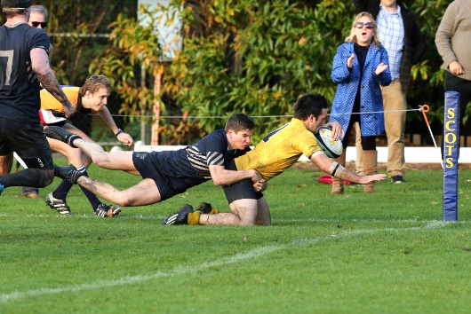 Jack Prindiville scores the winning try