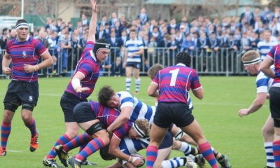 Tom Leaver nabs View ball