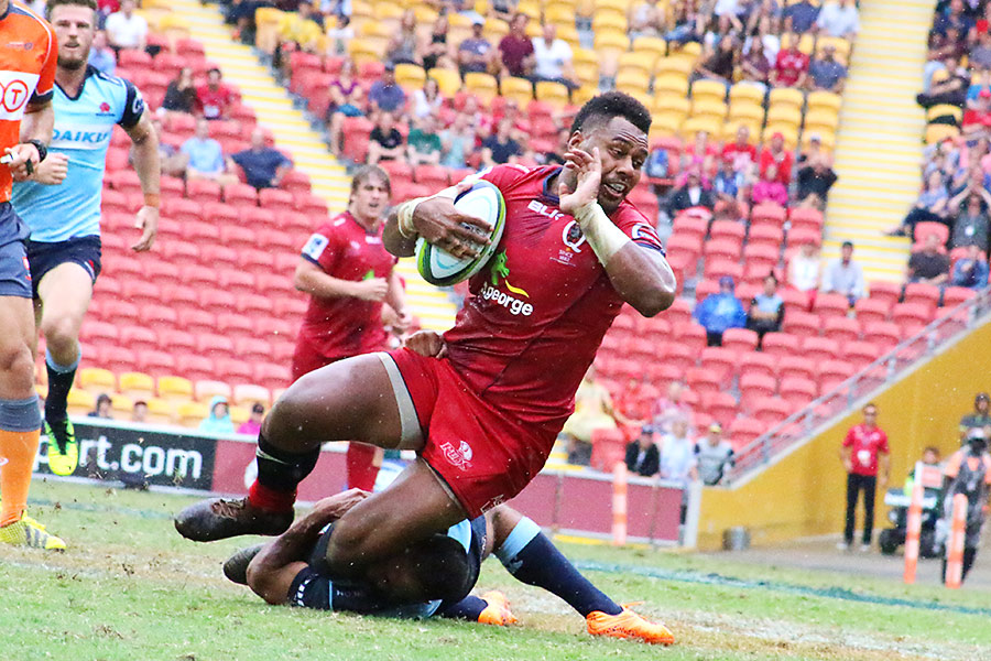 Kerevi grabbed by one leg but it was enough to save a try
