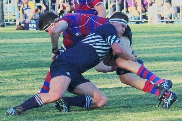 Edwards tackles Edstein Boyes