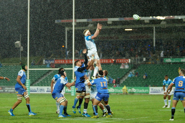 Rainy lineout in Perth