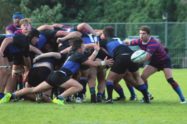Leo Bosch clears the ball from the scrum