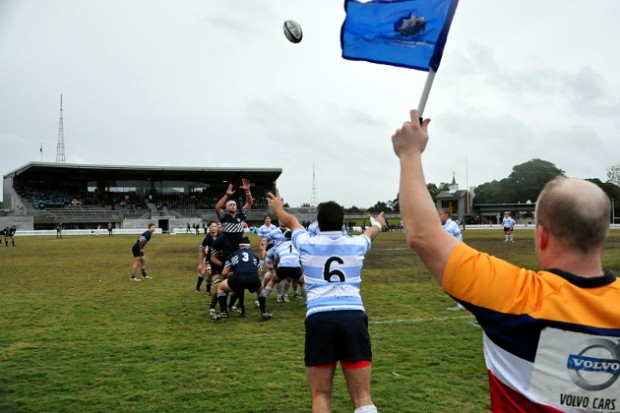 Kings' hooker James Lynch (playing 6 in Rd. 5) throws to the lineout