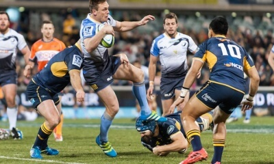 Dane Haylett-Petty  takes on the Brumbies defence