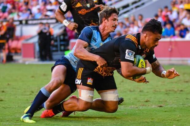 Liam Messam scores for Chiefs v Waratahs