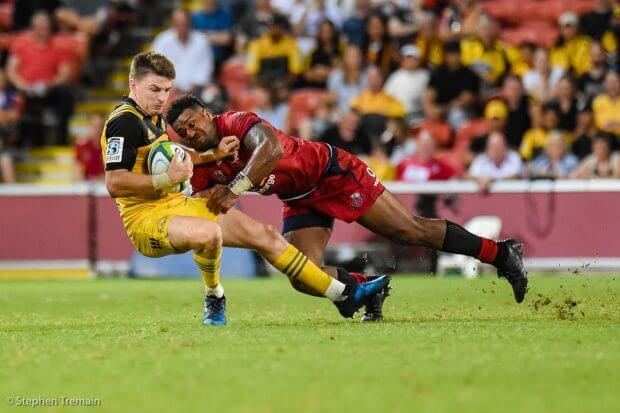 Samu Kerevi gets a big hit on Beauden Barrett