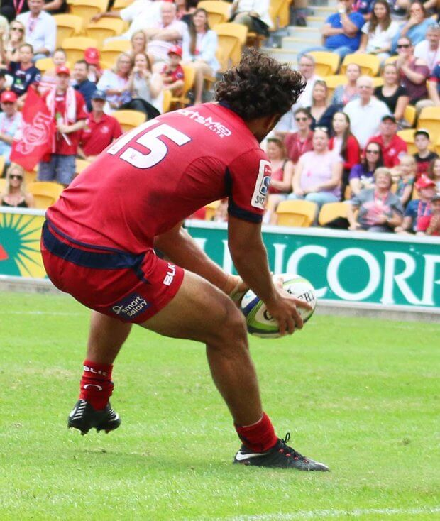 Karmichael Hunt scores his second try of the match