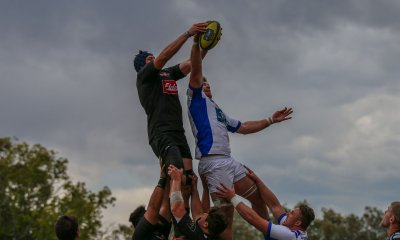 Jed Holloway fights Timothy Buchanan for the lineout ball.