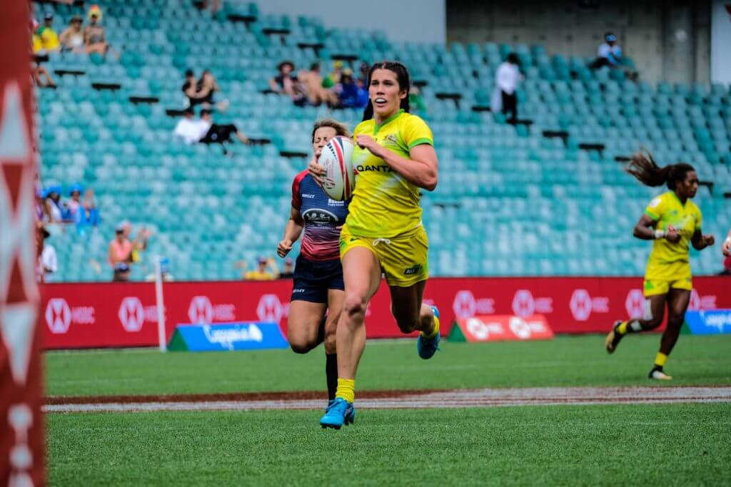 Sydney 7s 2018 Charlotte Caslick runs Australian Women