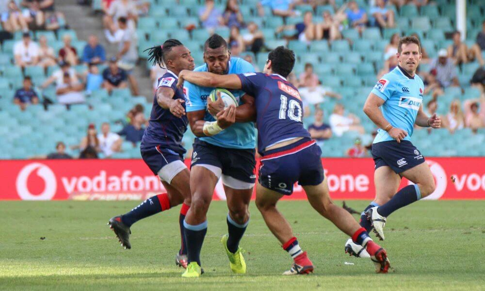 Debreczeni and Genia try to stop Big T. No chance.