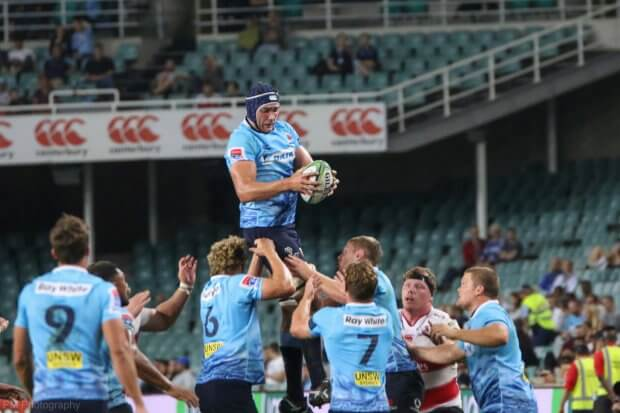 Rob Simmons with the lineout.