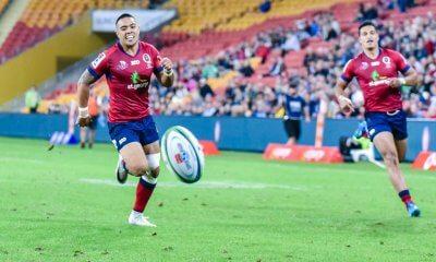Duncan Paia'aua chases a Samu Kerevi kick