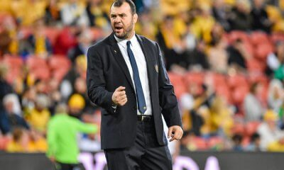 Michael Cheika revs the Wallabies up pre-game