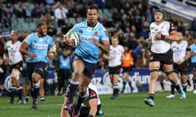 Kurtley Beale strolls in for a try.