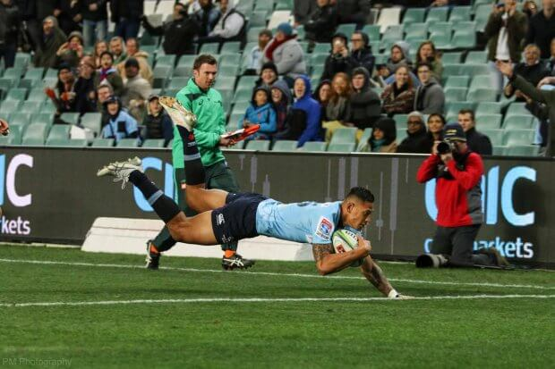 Folau scores his first try of the night.