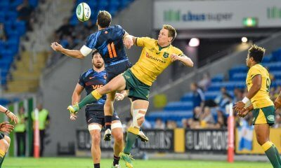 Dane Haylett-Petty  contests a high ball with Ramiro Moyano