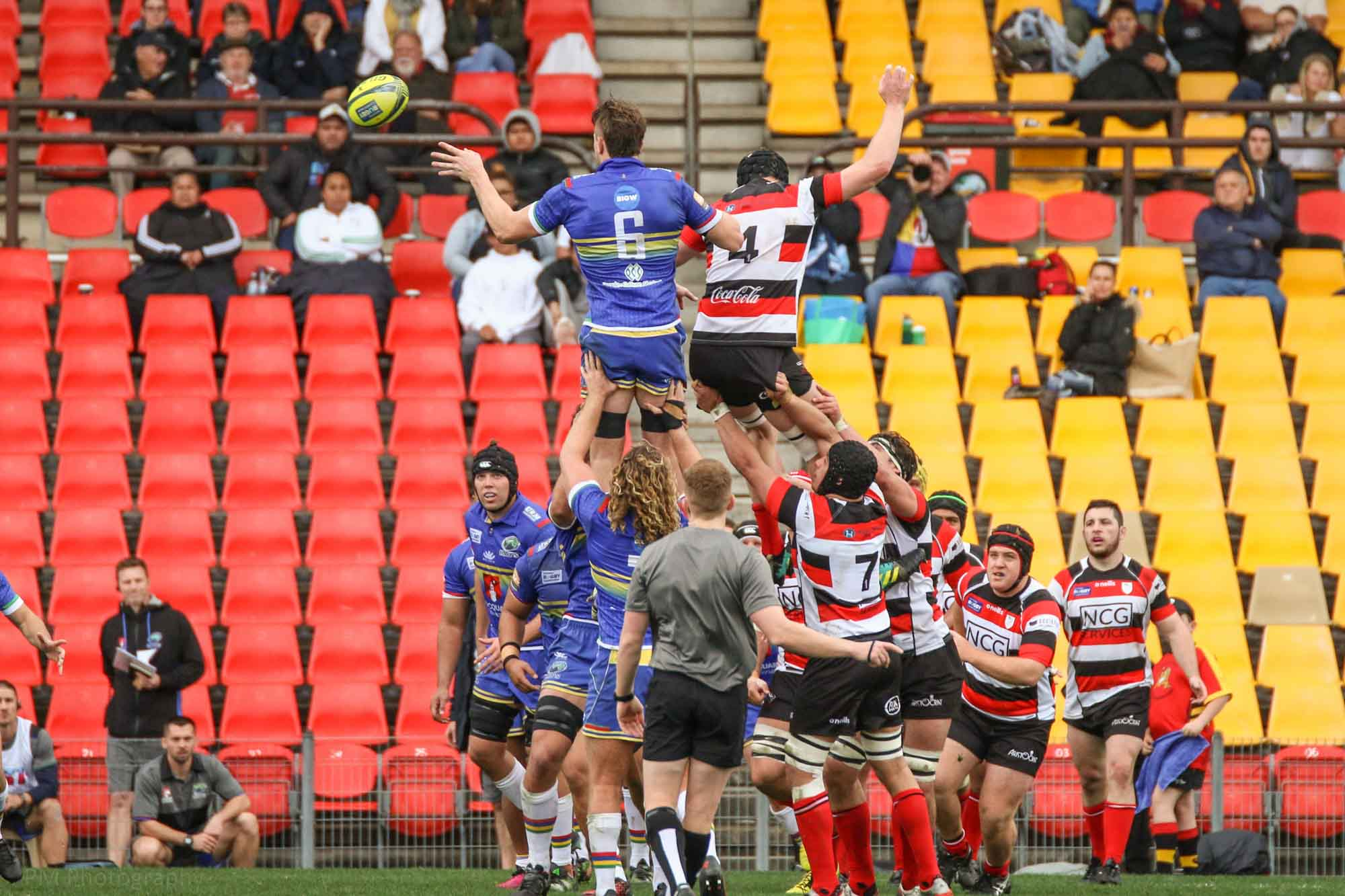 Lachlan Swinton secures the Rays a lineout.