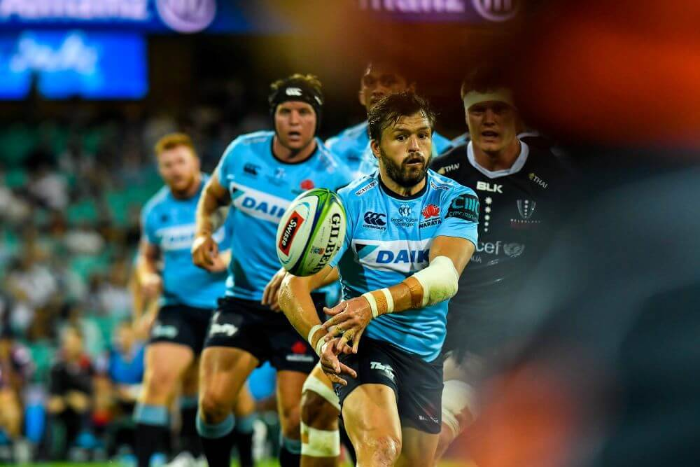 Adam Ashley-Cooper passes Waratahs v Rebels 2019 (Credit Keith McInnes)