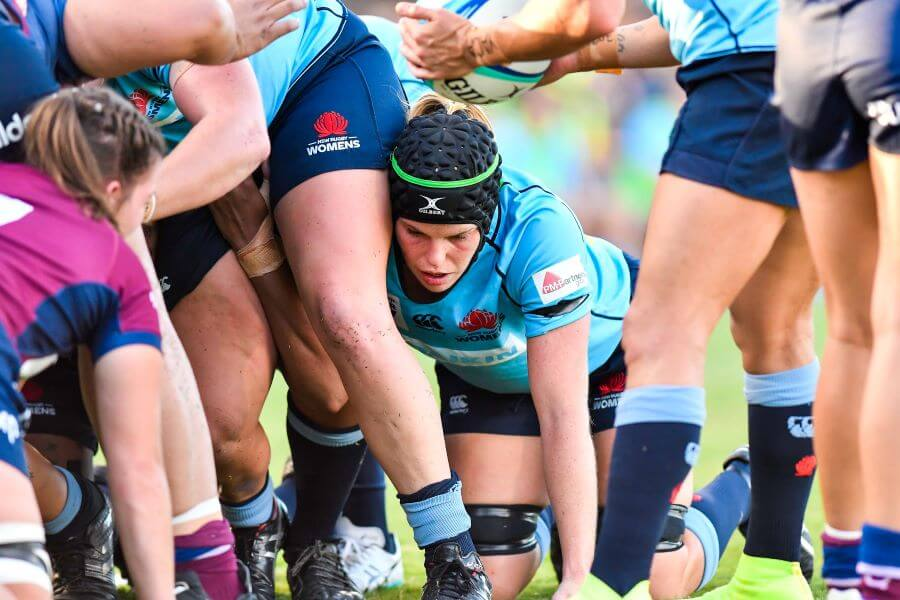 Emily Chancellor packs the scrum Super W 2019 QLD v NSW (photo credit Keith McInnes)