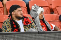 Sunwolves fans