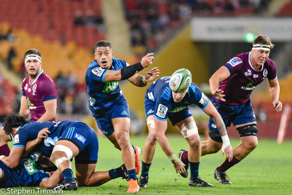 Australia's Super Rugby players agree 30 per cent pay cut